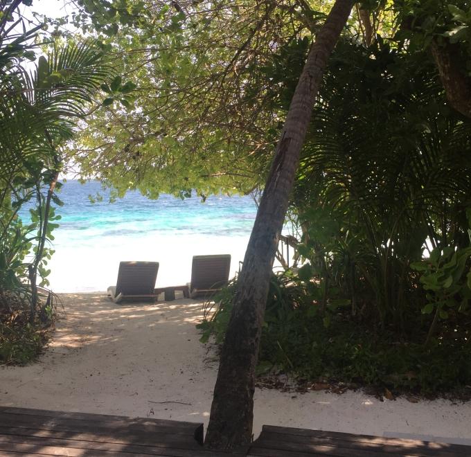 maldives-beach1.jpg