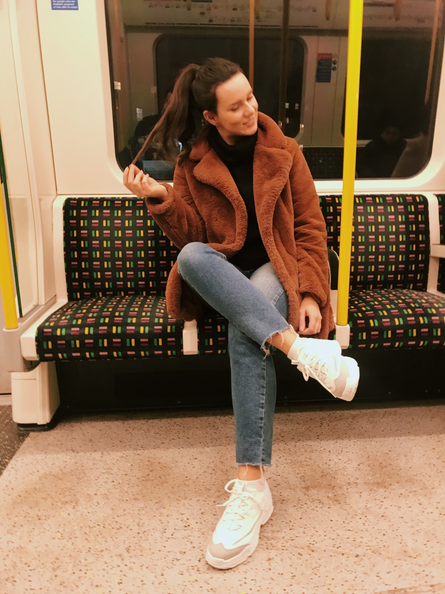 8 types of annoying people you'll find on the tube