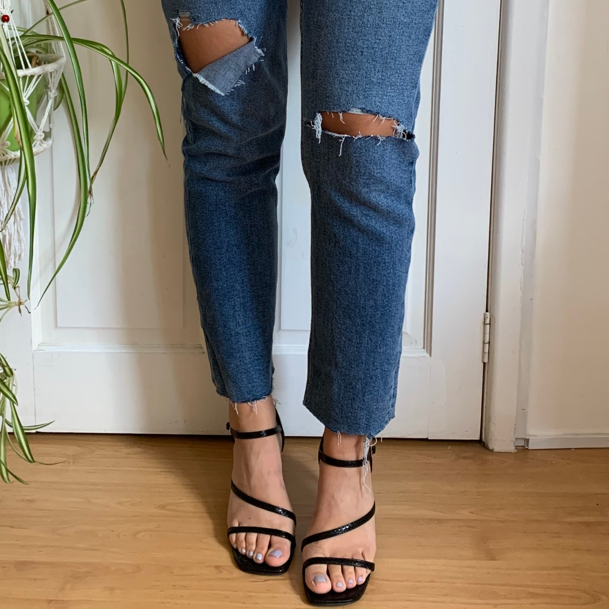 Rachel recommends diy ripped jeans